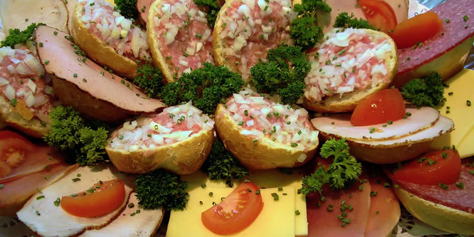Köstliche belegte Brötchen und Firmenfrühstücke.